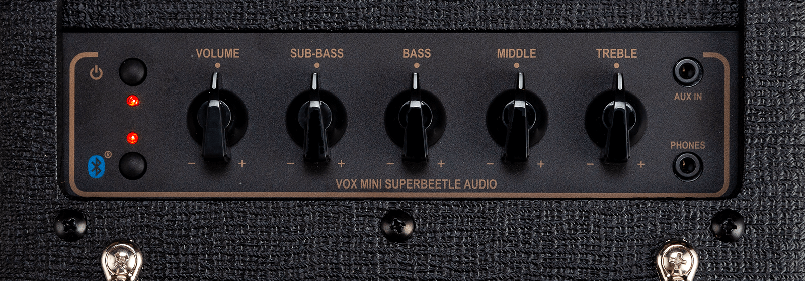 closeup of controls on black VOX MSB amp